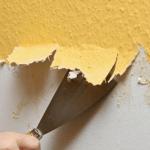 Как быстро снять старые обои со стены?