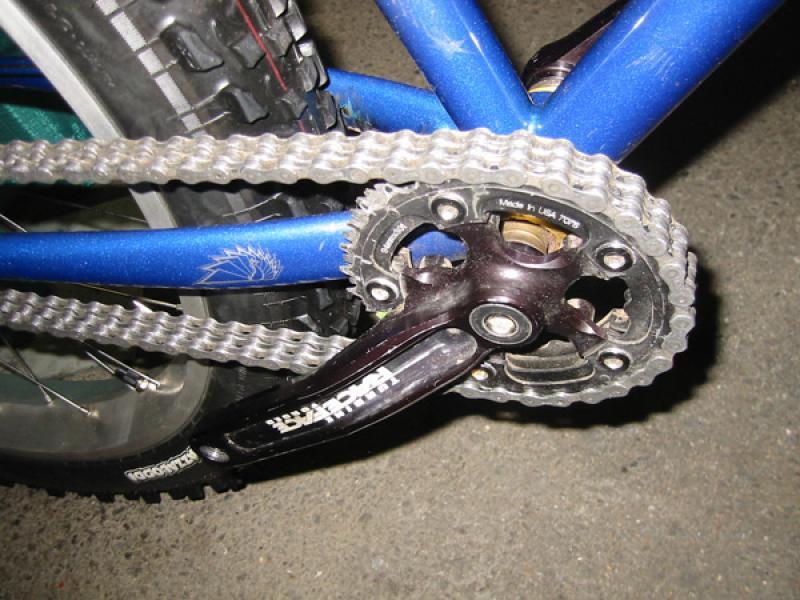 смазать велосипедную цепь