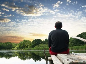 Спокойно относиться к происходящему