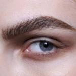 10 приемов макияжа для нависших век