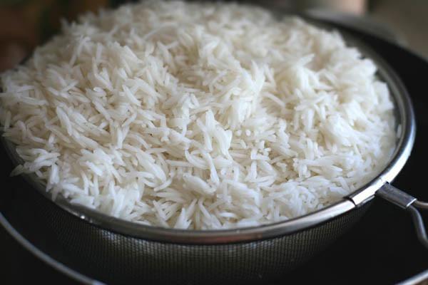 варить рис в микроволновке