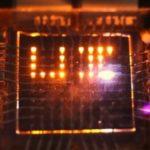 «Двунаправленные» светодиоды превратят экраны смартфонов в зарядные устройства