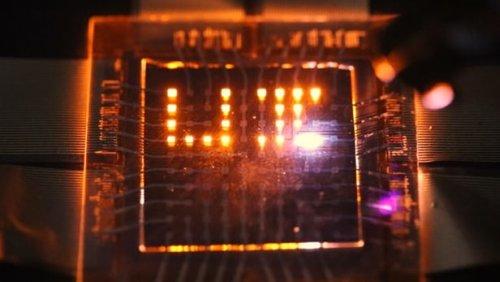 Двунаправленные светодиоды