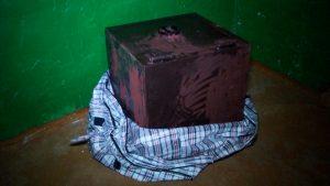 Злоумышленник украл сейф с деньгами и украшения из храма