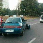 В Харькове столкнулись Volkswagen и ВАЗ: трое пострадавших