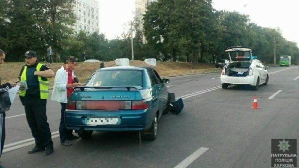 столкнулись Volkswagen и ВАЗ