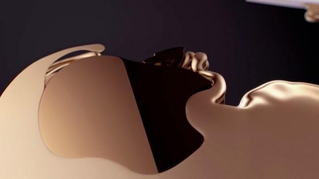 iPhone X в корпусе из золота