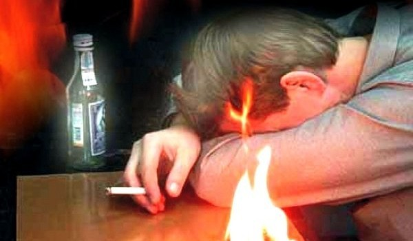 мужчина погиб, заснув с зажженной сигаретой