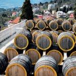 В Беларусь экспортируют соду и вино из оккупированного Крыма