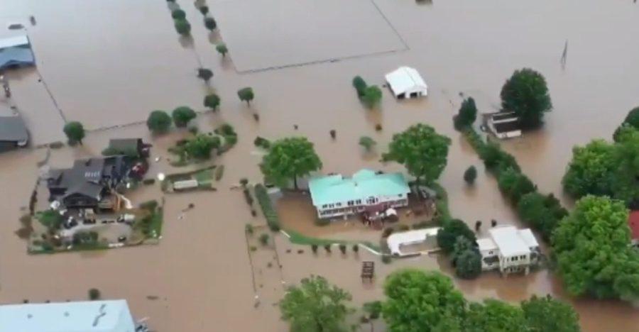на штат обрушились сильные наводнения