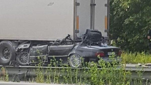 BMW влетел в фуру