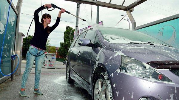 Как помыть машину на мойке